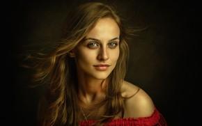 Обои взгляд, девушка, лицо, фон, волосы, портрет, плечо, Таня, Zachar Rise