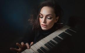 Картинка поза, пианино, Alexander Drobkov-Light, брюнетка, Галина Голембовская, клавиши, Девушка