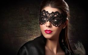 Картинка взгляд, фон, портрет, макияж, маска, прическа, шатенка, красотка, в черном