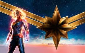 Картинка небо, девушка, фон, фантастика, звёзды, блондинка, костюм, постер, комикс, MARVEL, Carol Danvers, Captain Marvel, Капитан ...