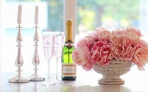 Картинка свет, цветы, стол, вино, романтика, бутылка, букет, свечи, бокалы, окно, алкоголь, ваза, розовые, натюрморт, шампанское, …