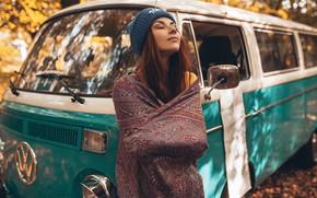 Картинка машина, лес, поза, шапка, Девушка, Осень, рыжая, Inga Lis, Roma Roma