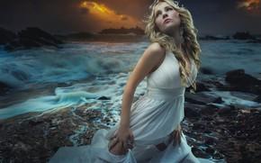 Картинка море, взгляд, девушка, закат, секси, поза, фото, берег, платье, красотка, Fernando Cortеs