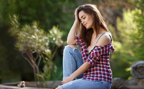 Картинка girl, cleavage, long hair, breast, photo, photographer, model, jeans, face, brunette, chest, sitting, shirt, portrait, …