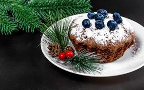 Картинка ягоды, тарелка, Рождество, Новый год, шишки, кекс, веточки, сахарная пудра, голубика, еловые ветки