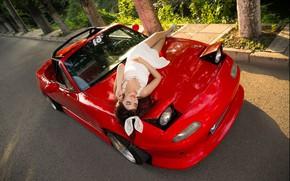 Картинка Девушки, азиатка, красивая девушка, красный авто, Mazda MX5, позирует на капоте машины