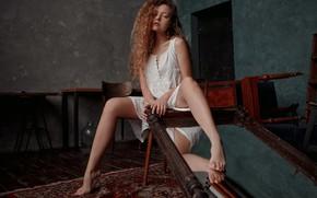 Картинка девушка, зеркало, кудряшки, ножки, Екатерина Суркова
