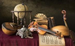 Картинка ноты, скрипка, книги, ожерелье, шкатулка, натюрморт, глобус, мандолина