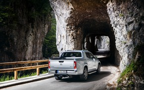 Картинка дорога, скалы, Mercedes-Benz, тоннель, пикап, 2018, X-Class, серо-серебристый