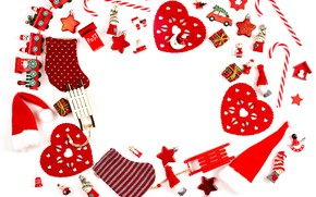 Картинка зима, белый, фон, праздник, игрушки, Рождество, сердечки, композиция
