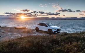 Картинка закат, побережье, Mercedes-Benz, вечер, кроссовер, GLA, 4MATIC, GLA-Class, 2020, AMG Line, GLA 250
