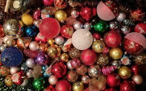 Картинка зима, шарики, праздник, шары, игрушки, Рождество, красные, Новый год, розовые, мишура, разноцветные, шишки, много, разные, …