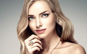 Обои взгляд, девушка, рука, портрет, макияж, кольцо, прическа, блондинка, голубые глаза, жест, woman, beautiful, локоны, hair, ...