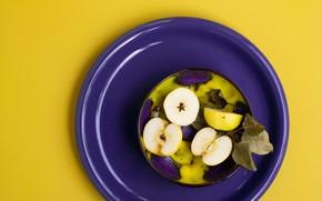 Картинка фиолетовый, желтый, фон, яблоки, цвет, тарелка, контраст, половинки