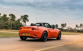 Картинка дорога, небо, оранжевый, Mazda, родстер, MX-5, 30th Anniversary Edition, 2019