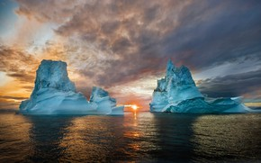 Обои холод, лед, море, небо, вода, солнце, облака, свет, закат, блики, голубой, вершины, лёд, вечер, айсберг, ...