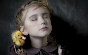 Картинка портрет, девочка, утка