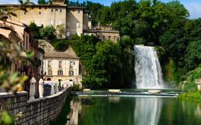 Картинка город, река, здания, водопад, дома, Италия, набережная, коммуна, Изола-дель-Лири, Лири