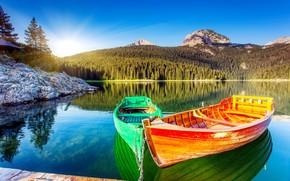 Картинка лес, пейзаж, горы, озеро, лодки, утро