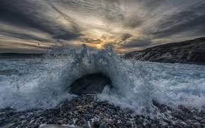 Картинка волны, закат, брызги, природа, камни, берег, побережье