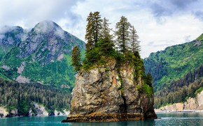 Картинка лес, небо, вода, облака, горы, скала, озеро, остров, Туман