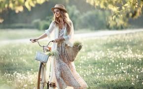 Картинка лето, взгляд, девушка, природа, велосипед, поза, улыбка, шляпа, платье, Irina Nedyalkova