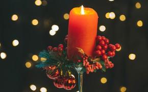 Картинка шарики, блики, ягоды, фон, свеча, Рождество, Новый год, композиция