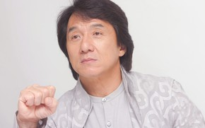 Картинка взгляд, поза, куртка, актер, кулак, Джеки Чан, Jackie Chan
