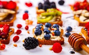 Картинка ягоды, малина, киви, черника, мед, фрукты, банан, ежевика, тосты, бутерброды