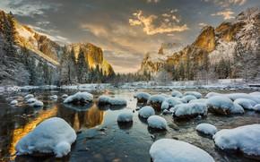 Картинка зима, лес, небо, облака, снег, деревья, горы, река, камни, скалы, Калифорния, США, Йосемити, Yosemite National …