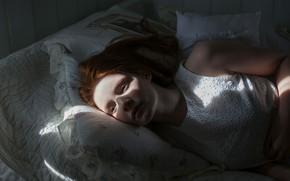 Картинка девушка, постель, подушка, Helene, Marteline Nystad
