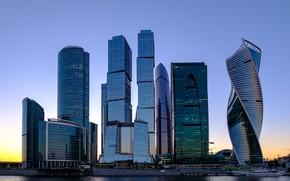 Картинка небо, отражения, закат, город, дома, небоскребы, вечер, Россия, Russia, столица, Moscow-City, Москва - река, Москва …