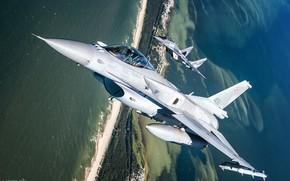 Картинка Море, F-16, Миг-29, Пилот, F-16 Fighting Falcon, Кокпит, ВВС Польши, ИЛС, ПТБ, AIM-120 AMRAAM, AIM-9 …
