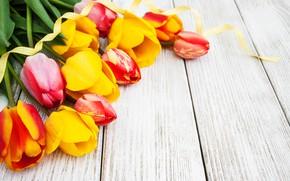 Картинка стол, букет, желтые, лента, тюльпаны, wood, bouguet, Olena Rudo