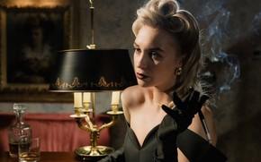 Картинка блондинка, сигарета, мундштук, нуар, виски, noir, blonde, вечернее платье, прошлый век, стиль 40-х годов, табачный …