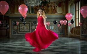 Картинка девушка, шарики, поза, фото, комната, красное, модель, платье, красотка, Manfred Digruber