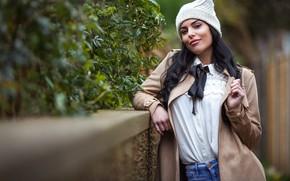 Картинка осень, взгляд, девушка, лицо, поза, модель, шапка, волосы, макияж, пальто, боке, Nick G