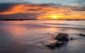 Картинка море, волны, небо, солнце, облака, свет, пейзаж, закат, природа, камни, берег, вечер, горизонт, прибой, Нормандия, …