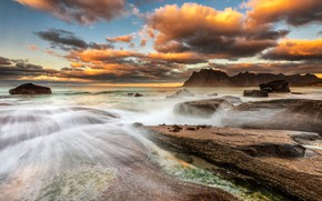 Картинка море, волны, небо, облака, пейзаж, тучи, природа, камни, скалы, берег, вечер, Норвегия, прибой, валуны, Лофотенские …