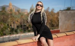 Картинка girl, dress, legs, photo, photographer, model, lips, blonde, black dress, sunglasses, portrait, mouth, lipstick, Ekaterina …