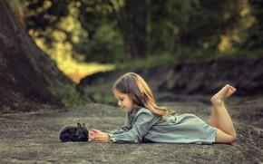 Картинка кролик, девочка, друзья