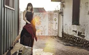 Картинка девушка, двор, азиатка