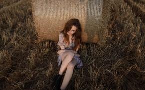 Картинка девушка, ножки, губки, в поле, Aleks Five