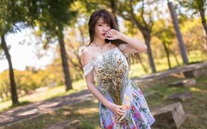 Картинка девушка, парк, букет, азиатка, милашка