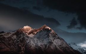 Картинка гора, свет, горы, снег, mountain, sunset, Shining peak, небо, вершина