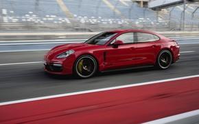 Картинка красный, трасса, Porsche, 2018, Panamera GTS