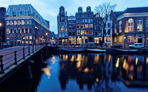 Картинка свет, пейзаж, машины, синий, мост, огни, блики, отражение, река, люди, дерево, улица, вид, окна, здания, …