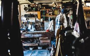 Картинка работа, обои, гараж, инструменты, рабочее место, комфорт, суета, tools