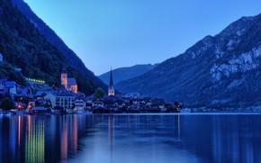 Картинка пейзаж, горы, озеро, башня, дома, Австрия, городок, сумерки, Hallstatt, Гальштат, община