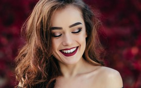 Картинка девушка, лицо, улыбка, макияж, брюнетка, прическа, губы, girl, beautiful, Lips